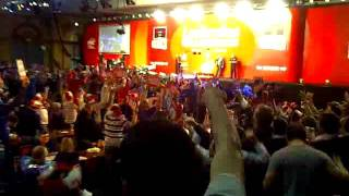 And the crowd goes wild @Ally Pally World Darts 19/12/11