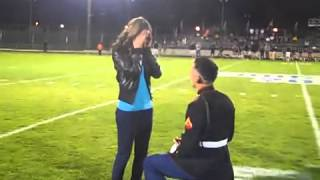 Detalle #10 - Marino hace sopresiva propuesta de matrimonio a su novia