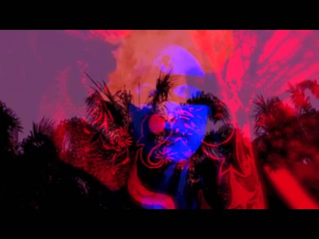 Videoclip ''Lápidas y cocoteros'', de Violeta Vil.