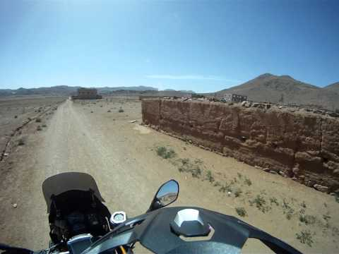 Morocco 8.4.2011 – Finally Offroad Injection! #2 – Village in 2200m