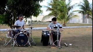 Tambores e sons