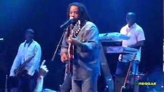 """Stephen Marley performing """"Pale Moonlight"""""""