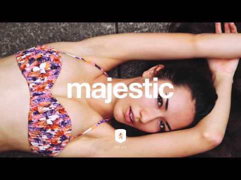 mr-carmack-crash-charms-majestic-casual