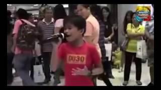 Mantap , Bocah Bersuara Emas Nyanyi 'Listen' , Semua Orang Di Mall Kaget