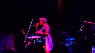 AlunaGeorge - Your Drums, Your Love (live)