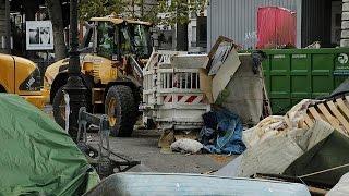 Paris: Autoridades evacuam acampamento de migrantes
