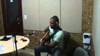CRISTANES-  Acima Da Dor (entrevista rádio fonte FM 2011).mp4