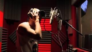 knucklehead in the studio