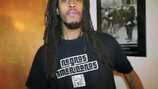 """Um Negro Americano cantando """"Negro Drama"""" em Portugues -Negros Americanos-"""
