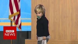 US governor's sleepy son invades stage - BBC News width=