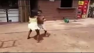 Crianças de 6 anos dançando forro