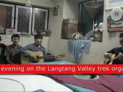 Sing along on the last day of trekking in Nepal