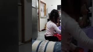 Cuando un adulto interumpe a niñas bailando