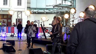 """Long Time"" (Soundcheck) - Blondie @ ""The One Show,"" BBC Television, London 05 May 2017."