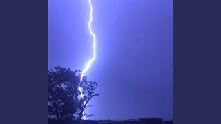 Strong & Powerful Southern Thunderstorm
