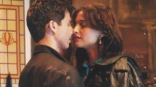 Sonam Kapoor kissing scene from Dolly Ki Doli width=