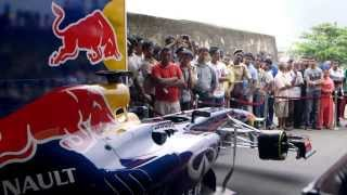Daniel Ricciardo on the Streets of Sri Lanka