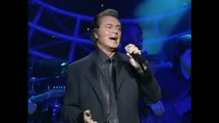 Spanish Eyes - Engelbert Humperdinck Live 2000