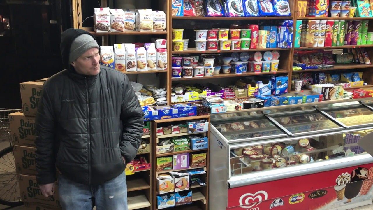 Funny fight at the bodega