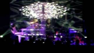 imogen heap-wait it out-live-jakarta(clip)