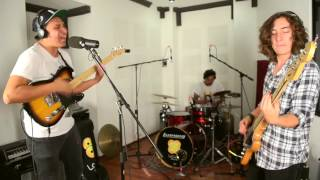 Los Simios Rojos - Tanta Gente en esta Ciudad (en vivo)