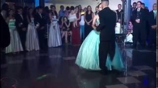 A melhor valsa de debutante com o principe