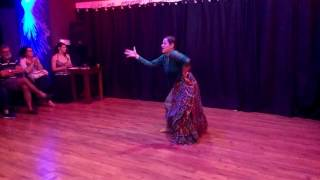 Anna Motta - Improviso Rumba Catalã (Dança Cigana)