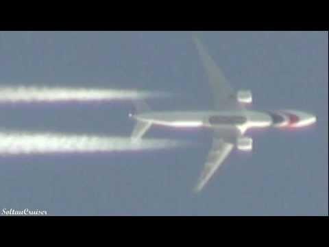 Biman Bangladesh Airlines Boeing 777 Contrails over Berlin (11|16|2011)