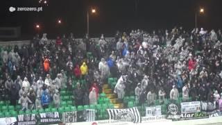 Adeptos do Vitória de Guimarães dão espetáculo à chuva