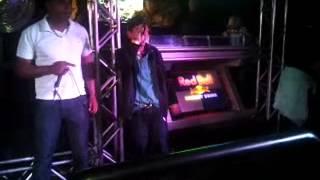 Videos gravados no Barracuda.....Mc Kael com o padrinho Mc Negão da ZL