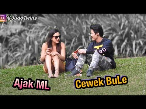 Download Video GOKIL! Orang Indonesia Ngajak Cewek ML Di Australia   You Wanna Bang?