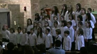 Champs-Elysées - Chorale d'enfants de l'école la Providence