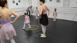 Vídeo-Aula Baby Ballet/ atividade com bambolê