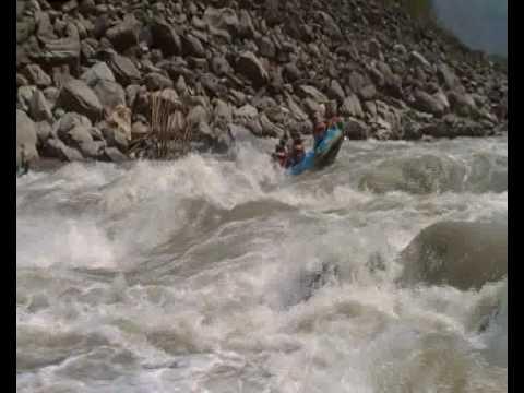 Rafting in Nepal – www.aaryatravel.com