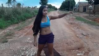 Tigresa faz protesto em frente a sua casa mas a Apavorada interfere