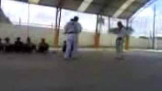 Wellington luta e pau de macarrão