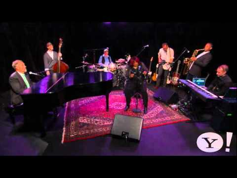 hugh-laurie-tipitina-2011-new-yahoo-music-natasell