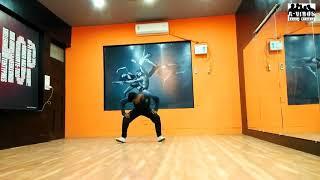 Vashu dancer