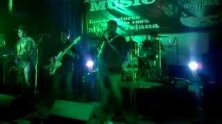 SUEÑO BONITO LOS MORALES BOYS!!! LIVE BAR 3OO