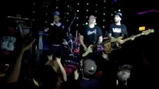Céu Completo - Strike (Ao Vivo no Loop Music em Santo André)