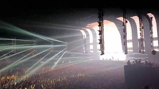 Afrojack vs Hardwell LIVE at Ahoy Rotterdam with MC Ambush