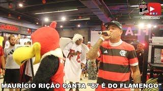 Maurício Rição canta ao vivo na Loja FLA - 87 é do Flamengo