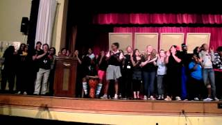 "Class of 2011 Sings ""Loyalty Song"" One Last Time [[MAES]]"