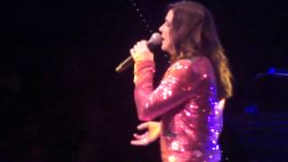O Come All Ye Faithful - Martina McBride (NYCB Theater Westbury 12/7/12)