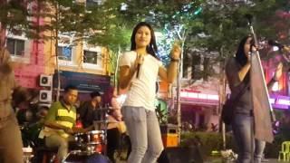 bara bere-Nurul & iffa Razi feat retmelo buskers,mantap