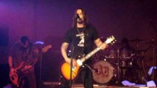 Alter Bridge - Blackbird solo - Live in Ft Wayne, IN 11-24-07