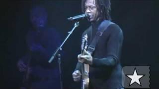 """Djavan toca """"Luz"""" no Directv - Arquivo Radar Showlivre 2004"""