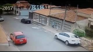 Roubo do carro 31/01/17 (dupla leva carro em 2 minutos)