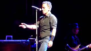 I'm On Fire - Bruce Springsteen - Mt Smart Stadium, Auckland 1-3-2014