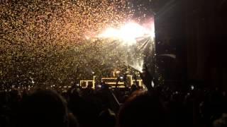 Pierce The Veil- Hold On Til May Ft. Lynn Gunn @ The Warfield